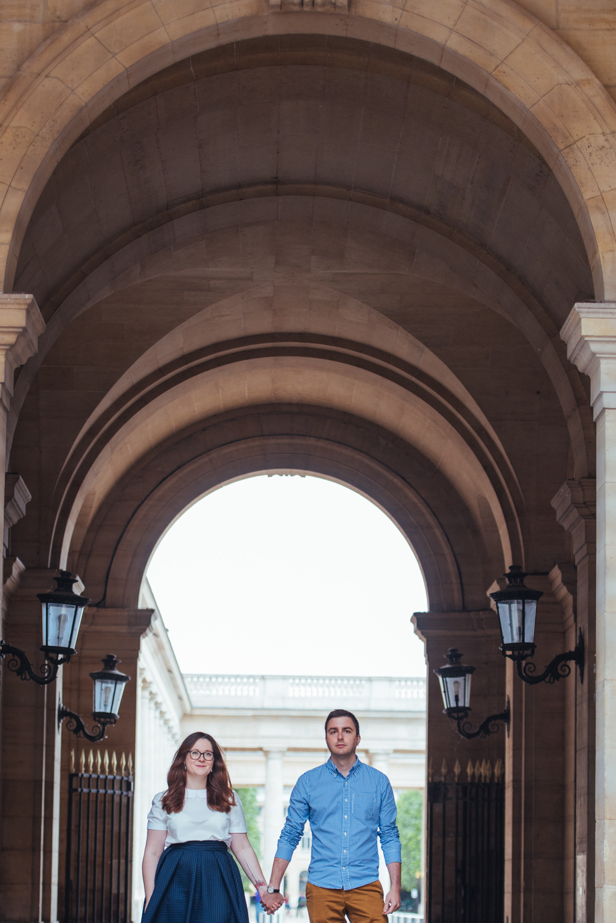 seance-engagement-paris-maldeme-photographe-palais royal-1