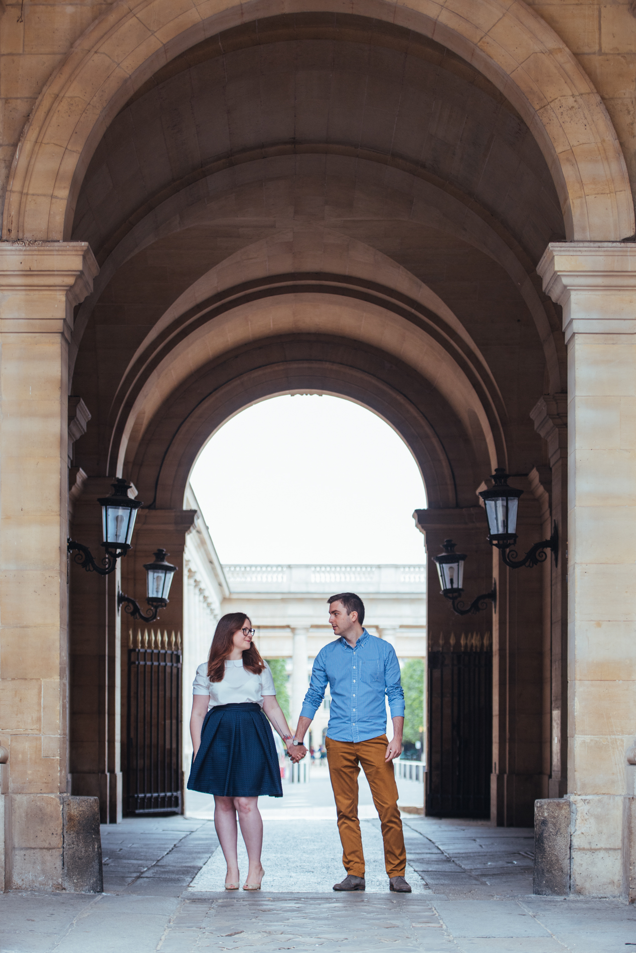 seance-engagement-paris-maldeme-photographe-palais royal-2